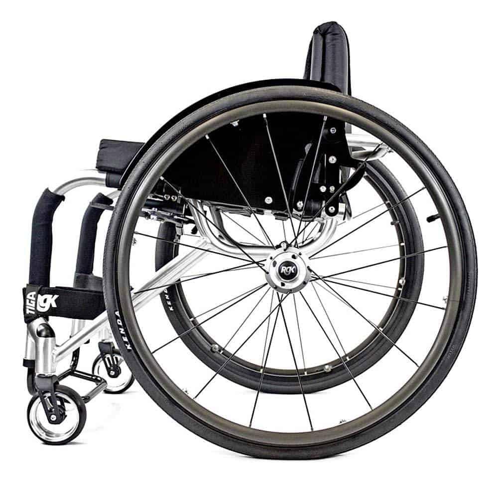 RGK Tiga ADL rolstoel gesloten model zijkant