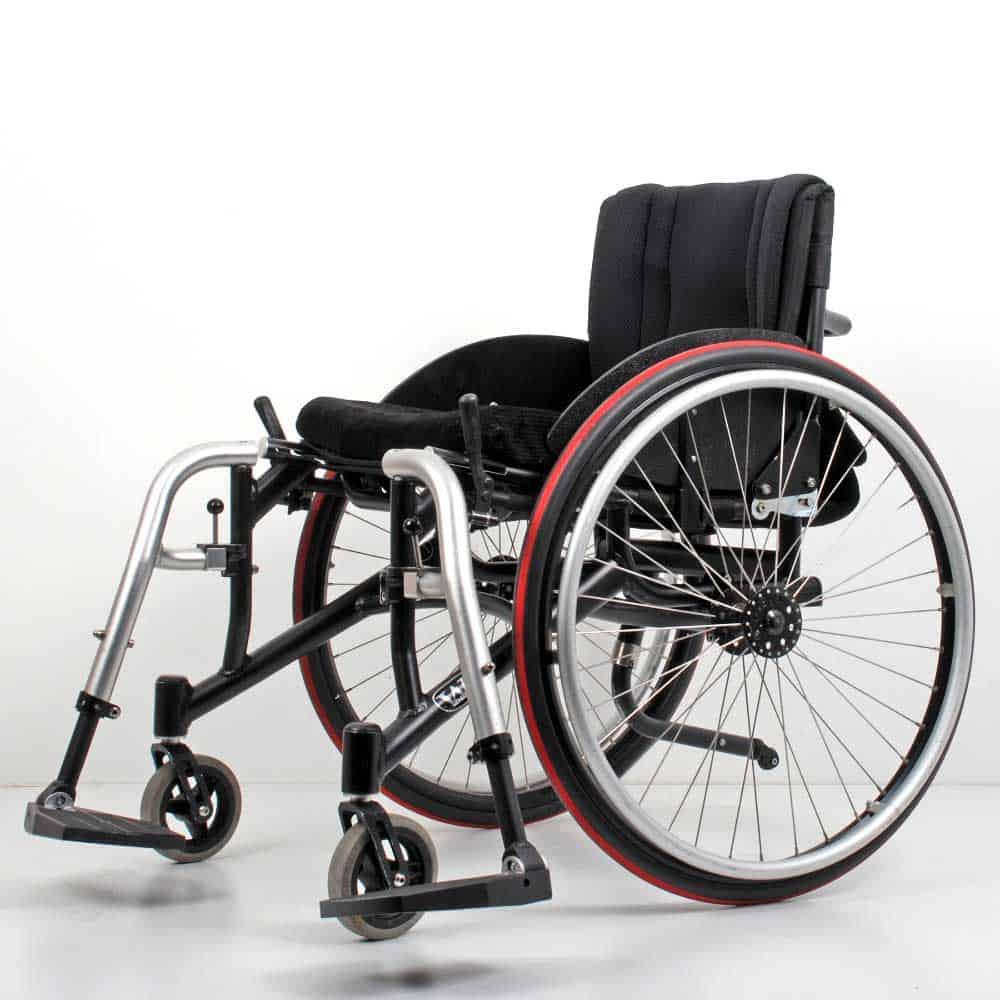 Wolturnus Dalton High Performance ADl rolstoel wegzwenkbare beensteunen