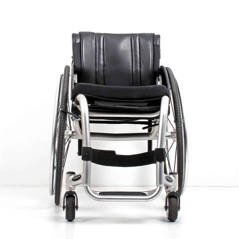 Wolturnus Tukan High Performance ADL rolstoel voorkant