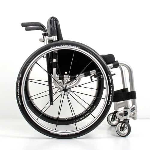 Wolturnus Tukan High Performance ADL rolstoel zijkant